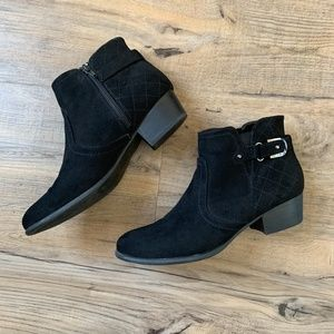 UNISA Bootie Ankle Boots Black Padma Fo Suede 10M
